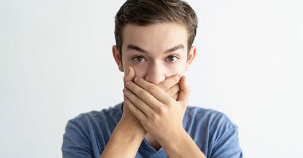a férgek gyógyszerének szedése után, mennyi megy a szag lehullott a szájról
